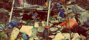 Ein fehlleitendes Signal: Reinigungs- und Entsorgungskosten für Einweg-Produkte